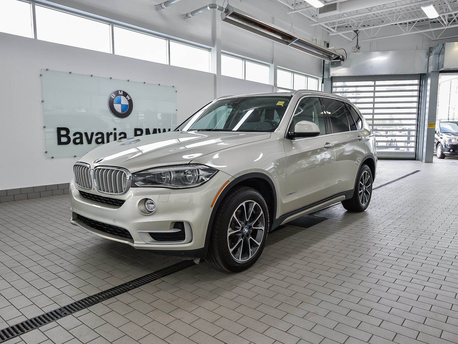 Bmw Pre Owned >> Pre Owned 2014 Bmw X5 Xdrive35d Luxury Line Suv In Edmonton