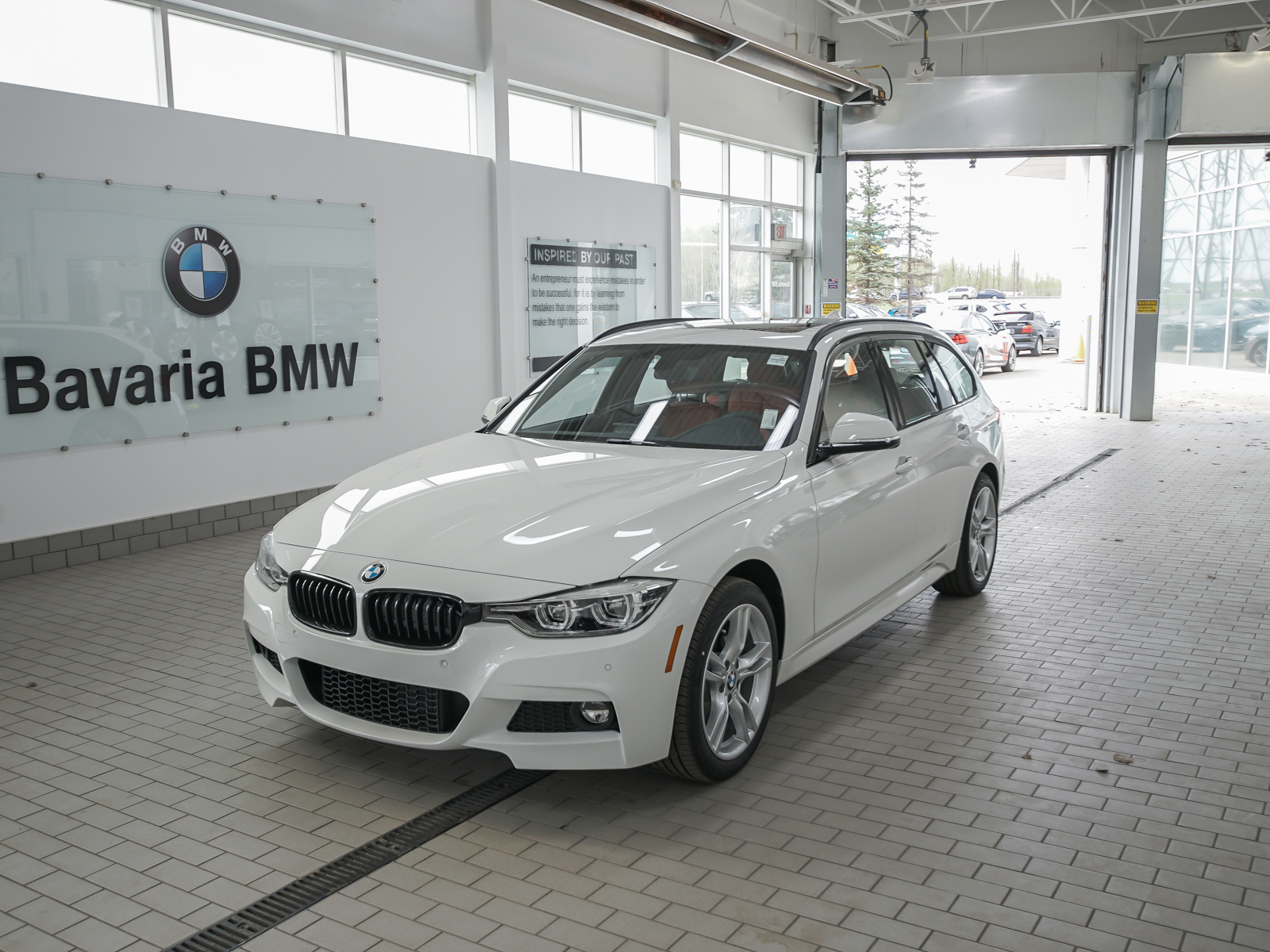 New 2019 BMW 330i xDrive Touring